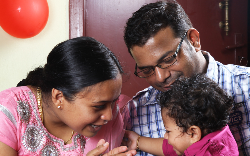 Pratheek-Birthday-Photography---the-excited-family
